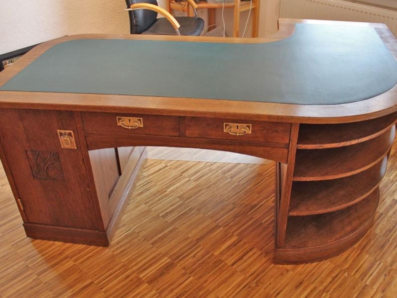 Jugendstil-Schreibtisch von August Scharrer | Restaurierung Beer