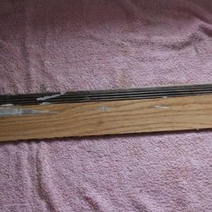 Ergänzung von fehlenden Holz- und Furnierstücken unter Erhalt originaler Teile